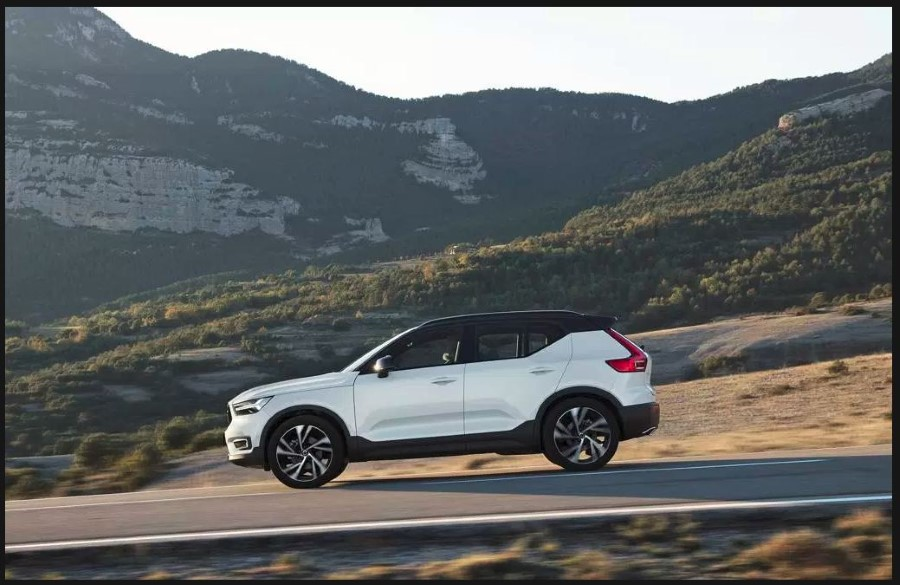 2020 Volvo XC40 - Best Small Luxury SUV 2020