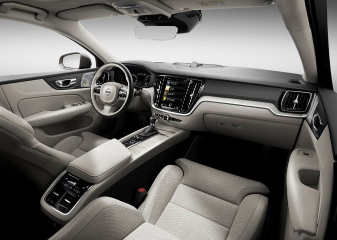2020 Volvo S60 Interior Features & Technology