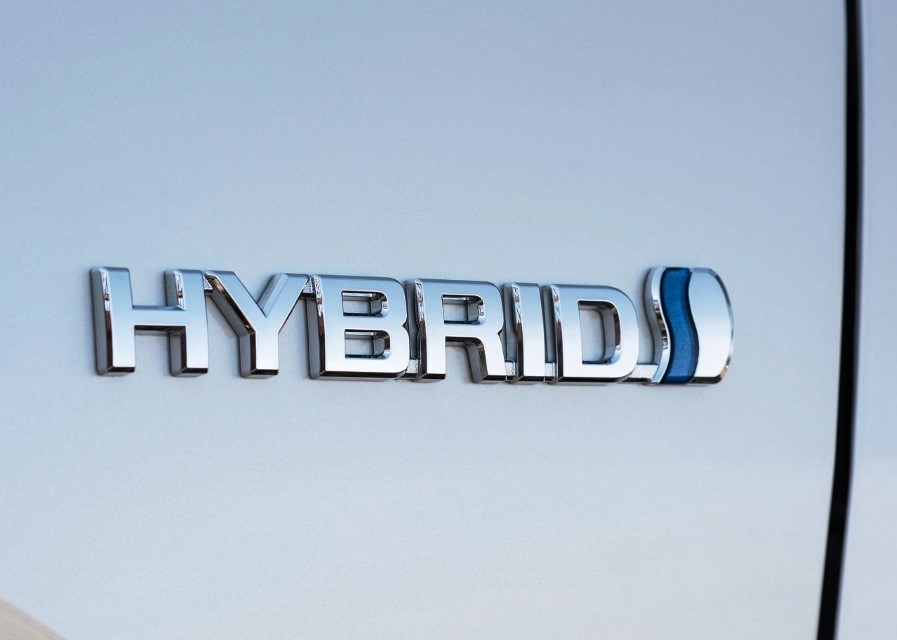 2020 Toyota RAV4 Hybrid - Most fuel-efficient hybrid SUV in Canada