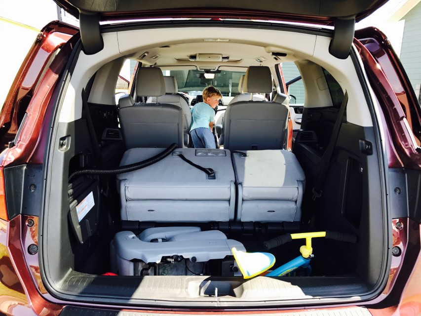 Honda Odyssey Elite Touring Spacious Interior - Best Cild Friendly Car