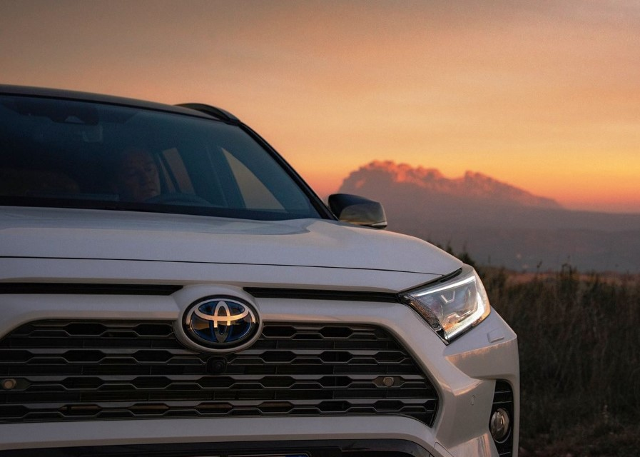 Most Fuel Efficient Hybrid Suv In Canada 1st In Top 10 Findtruecar Com