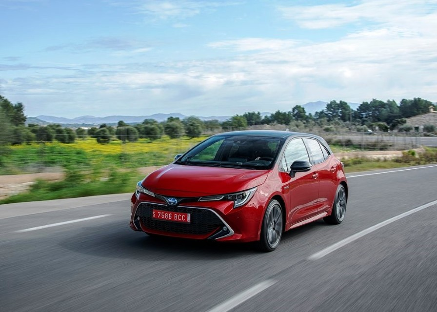 2020 Toyota Corolla Hatchback Hybrid Review