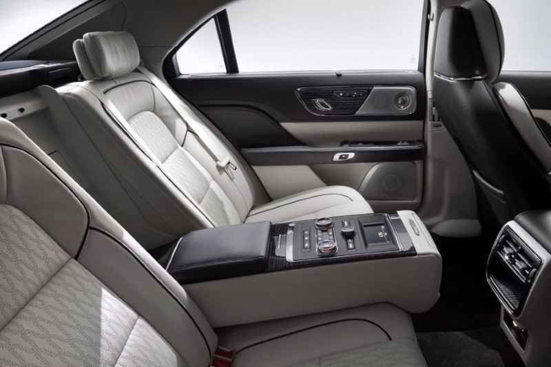 2020 Lincoln Town Car Interior Seating Capacity