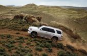 2020 Toyota 4Runner Off-Road Pictures