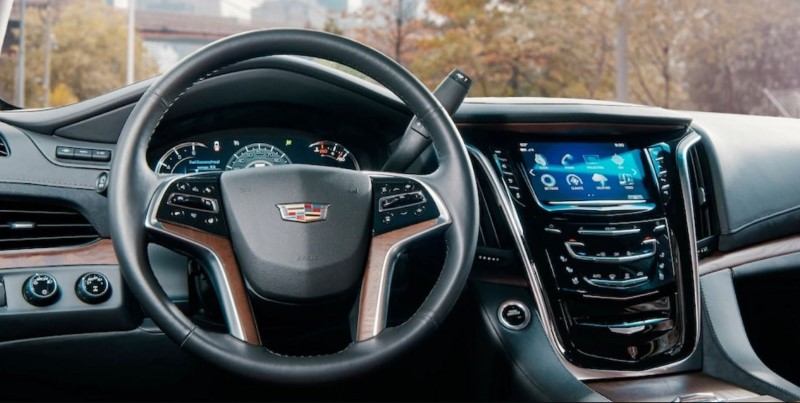 2020 Cadillac Escalade Dashboard and New Navigation Systems
