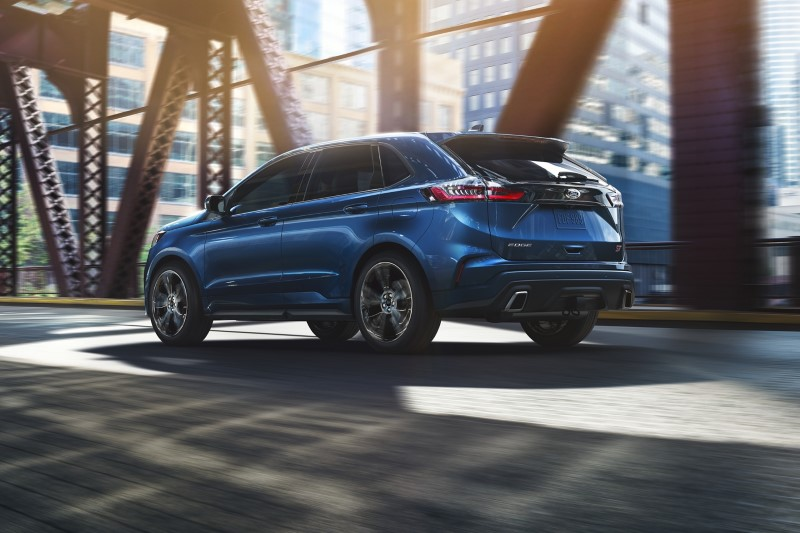 2020 Ford Edge ST Blue Color Dimensions & Size