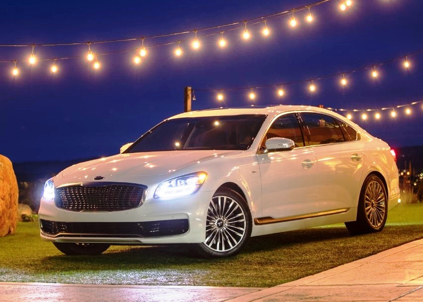 2021 Kia K900 Price & Availability
