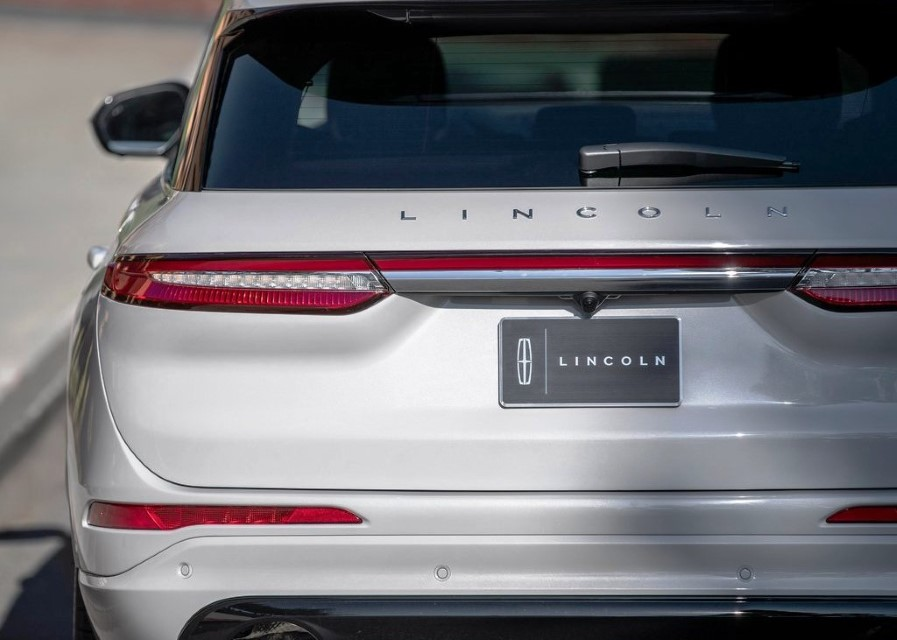 2021 Lincoln Corsair Grand Touring Tail Lights