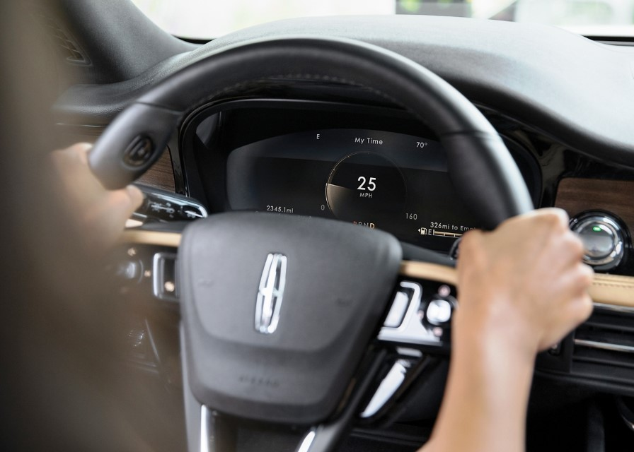 2021 Lincoln Corsair Grand Touring with 12,3 inch Digital Cluster